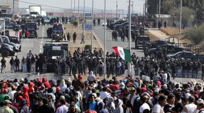 Meksyk: Kronika dni grabieży i buntu. Albo to, co ma nadejść.