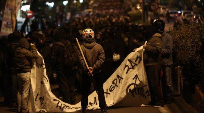 Ateny, Grecja: zamieszki na ulicach po ewikcji dwóch skłotów