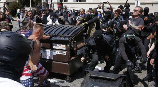 USA, Berkeley: kolejne starcie antyfaszystów z faszystami z pod znaku Alt-Right