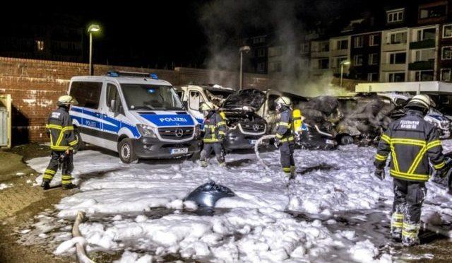 Niemcy, Hamburg: cały świat nienawidzi policji