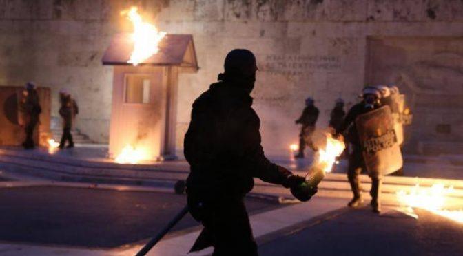 Grecja: parlament w ogniu (wideo)