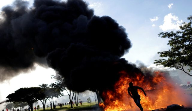 Brazylia: Podpalenie budynku Ministerstwa Rolnictwa oraz inne ataki na państwowe instytucje