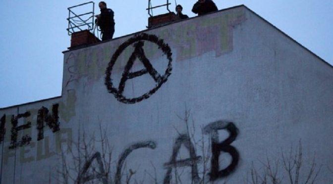 Berlin, Niemcy: druga noc antypaństwowej przemocy w Friedrichshain