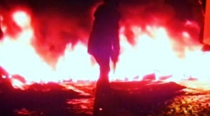 """Ukraina, Kijów: Luksusowe auto podpalone przez komórkę FAI """"Zemsta Marusya Nikiforova"""" (film)"""
