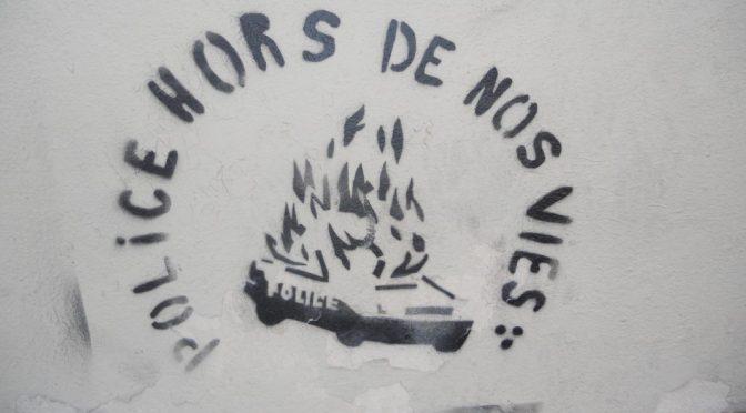 Clermont-Ferrand, Francja: Podpalenie trzech policyjnych samochodów