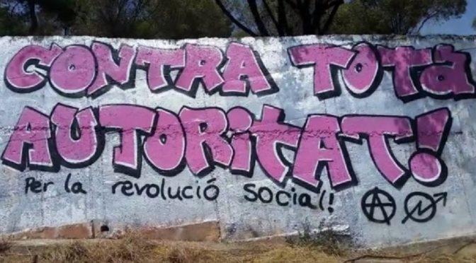 Barcelona, Katalonia: Anarchistyczne graffiti przeciwko monarchii i potencjalnej republice (wideo)