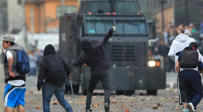 Bogota, Kolumbia: Zamieszki wokół Universidad Pedagogica zablokowały dzielnicę finansową na cztery godziny