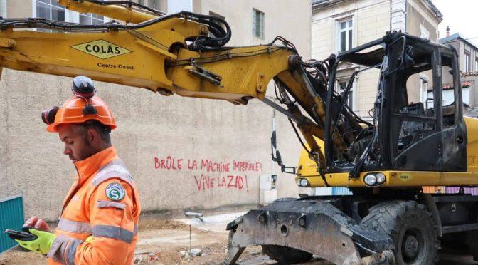 Poitiers, Francja: Podpalenie maszyny budowlanej w solidarności z ZAD
