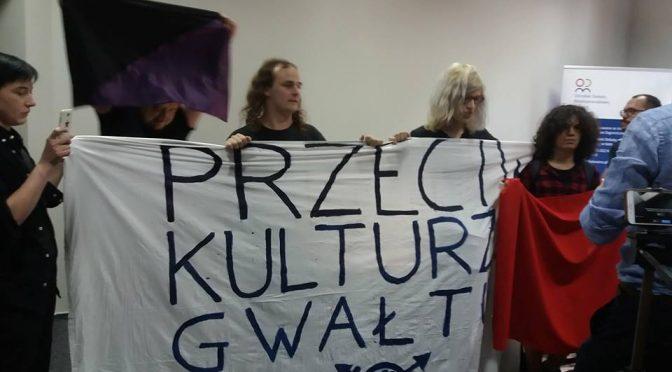 Katowice, Polska: Blokada debaty z udziałem Jakuba Dymka- mizogina i gwałciciela (wideo)