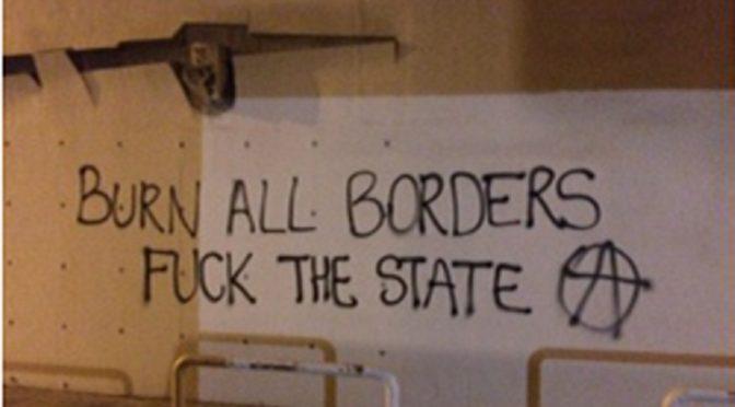 Ateny, Grecja: Atak na Francuski Instytut w solidarności prześladowanymi za walkę przeciwko terrorowi granic towarzyszami