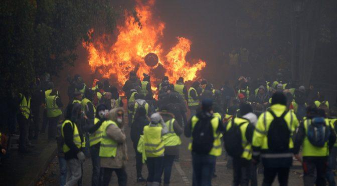 Ruch jako pole bitwy. Walcząc o dusze ruchu Żółtych Kamizelek.