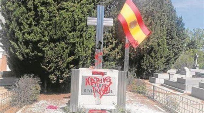 Madryt, Hiszpania: Zniszczenie pomnika faszystowskiej División Azul
