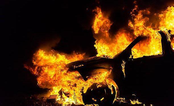 Berlin, Niemcy: Za Czarny Maj- Podpalenie aut firmy Securitas