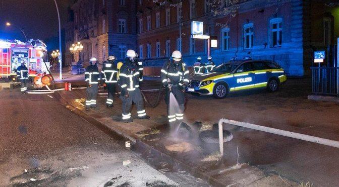 Hamburg, Niemcy: gmach sądu zaatakowany ogniem, kamieniami i farbą