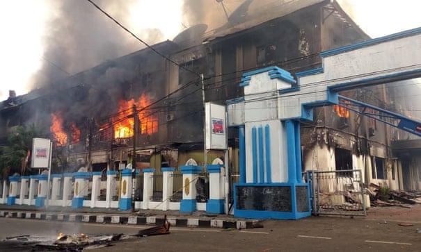 Papua Zachodnia: Rasistowskie ataki na papuaskich studentów powodują masowe zamieszki