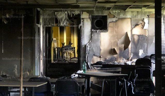 Saint-Étienne-de-Boulogne, Francja: Podpalenie siedziby centrum szkoleniowego Federacji Myśliwych Ardèche