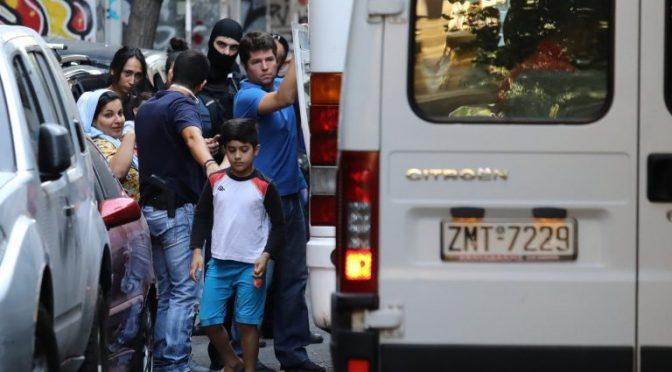 Ateny, Grecja: Rozpoczął się atak – pierwsze ewikcję skłotów na Egzarchi