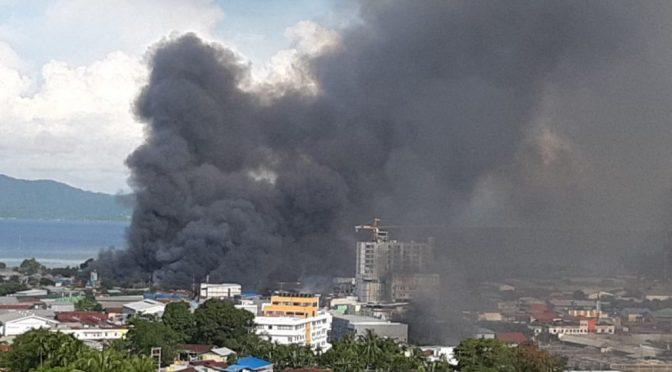 Powstanie w Zachodniej Papui: Podpalone kolonialne budynki rządowe, uwolnieni więźniowie