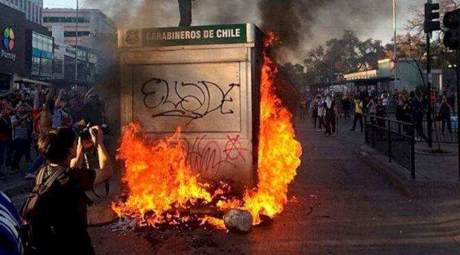 Santiago, Chile: 7 dni społecznego buntu – 7 dni w płomieniach!