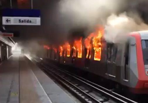 Chile, Santiago: Tydzień sabotażu transportu miejskiego i odmowy kupna biletów rozpoczął masowy bunt