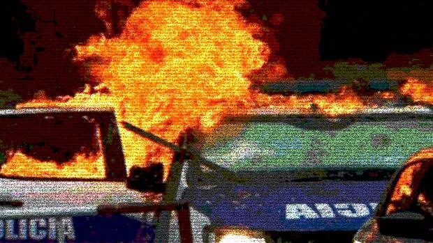 Buenos Aires, Argentyna: Podpalenie policyjnej suki