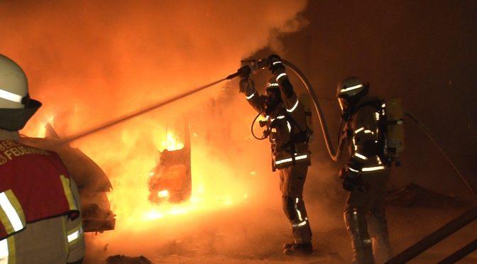 Berlin, Niemcy: Podpalenie pojazdów Bosch Security i Dr. House Solutions