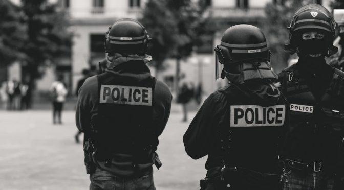 Niemcy: Policja to śmiecie
