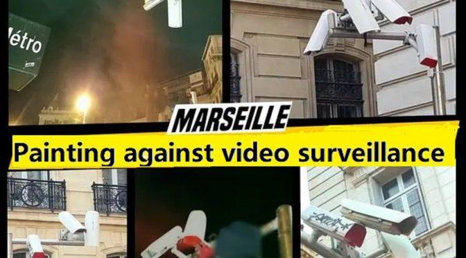 Marsylia, Francja: Uliczny monitoring zniszczony farbą