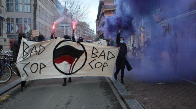 Niderlandy, Amsterdam: Relacja z nielegalnego dema w Międzynarodowy Dzień Przeciwko Brutalności Policji