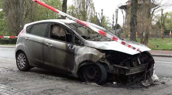 Bremen, Niemcy: Spalono nieoznakowany samochód policyjny