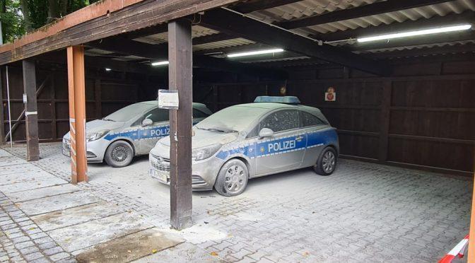 Berlin, Niemcy: Atak koktajlami Mołotowa na posterunek policji w dzielnicy Tiergarten